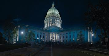 Wisconsin capital building at night
