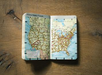 pocketbook of map of the US